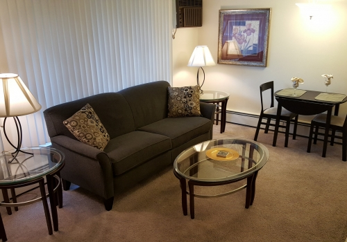 Urbane30 on Crooks :: 4004 Devon Rd – FULLY FURNISHED/SHORT TERM!!