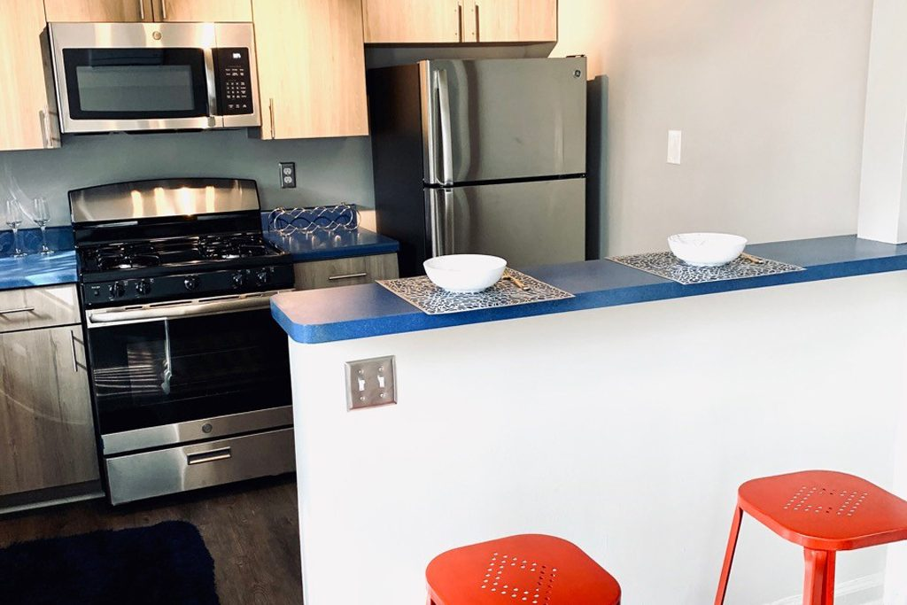 Urbane on Shelbourne :: 17765-1 :: NEWLY RENOVATED & AVAILABLE! :: On Special $895!!
